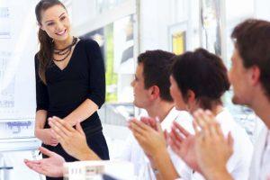 bí quyết nói chuyện thu hút khách hàng