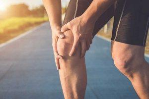 đau khớp gối ở người t rẻ tuổi